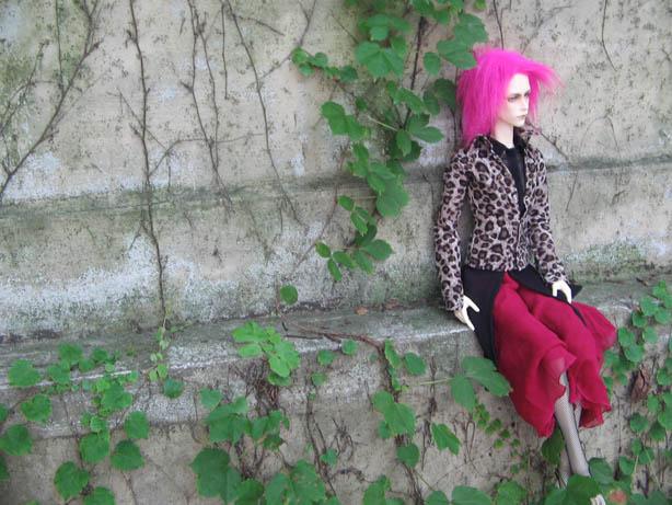http://www.oddpla.net/blog/dolls/will/atwork/IMG_0036.JPG