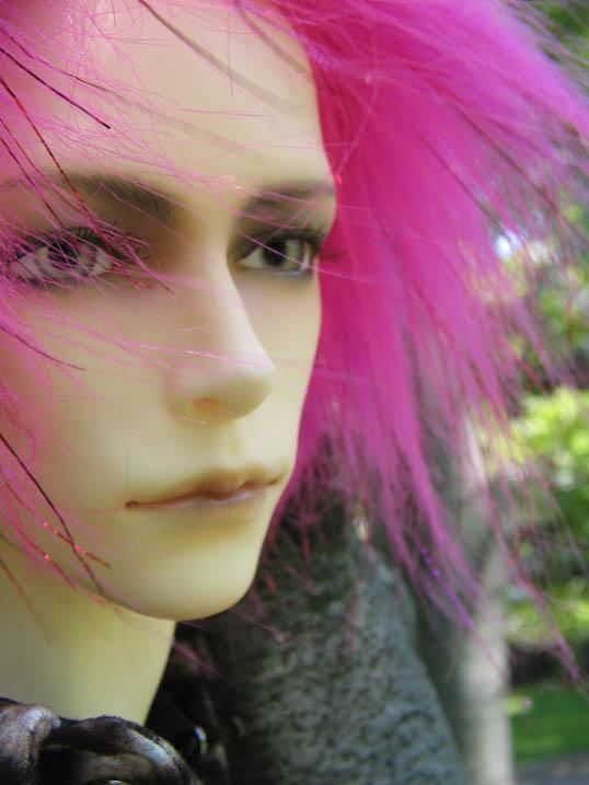 http://www.oddpla.net/blog/dolls/will/atwork/IMG_0074.JPG