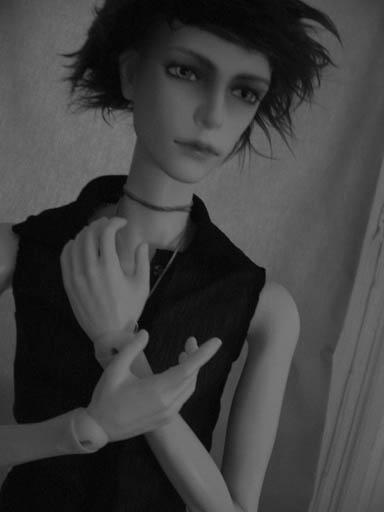 http://www.oddpla.net/blog/dolls/will/wired/IMG_0001.JPG