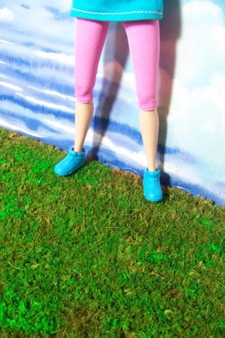 http://www.oddpla.net/blog/lhfdolls/lazy/lawn2.jpg