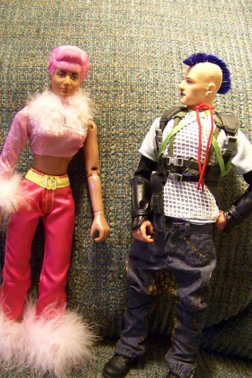 http://www.oddpla.net/blog/lhfdolls/pinksquad/04.JPG